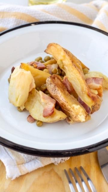 Papas asadas c/ arbejas, cebollas y pancetas 200 gr